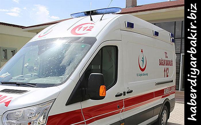 DİYARBAKIR- Merkez Kayapınar ilçesinin 500 Evler mevkiinde meydana gelen zincirleme trafik kazasında 3'ü ağır olmak üzere 5 kişi yaralandı.