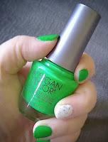 product review Morgan Taylor Professional Nail Lacquer