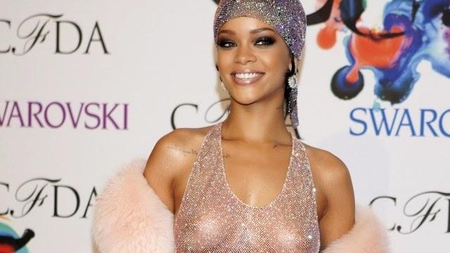 Rihanna S Tits 117