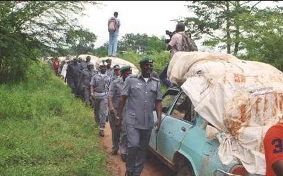 Custom arrest 6 suspected rice smugglers