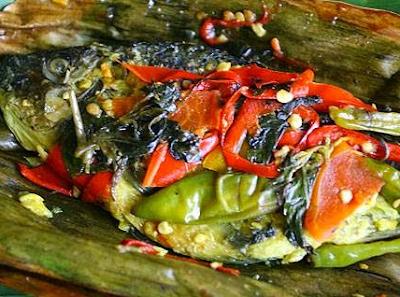 Pepes Ikan Mas Bumbu Iris khas Sunda Paling Mantap