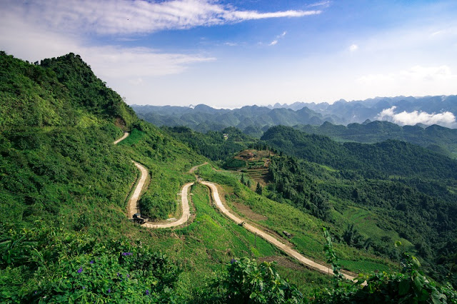 Riding on 10 majestic roads in Vietnam