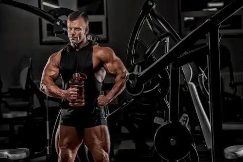 فوائد الكرياتين في بناء وتضخيم العضلات
