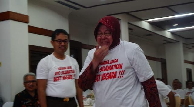 Bersih Kotanya Bahagia Warganya , Air Mata Walikota Surabaya Risma Tumpah Saat Menerima Kembali Aset Rp5 Triliun