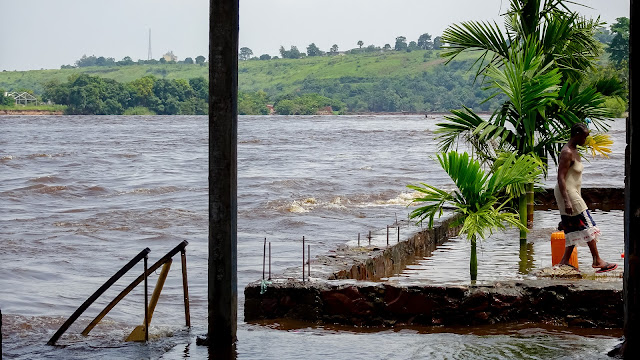 Water level is too high in the Congo River in Kinshasa