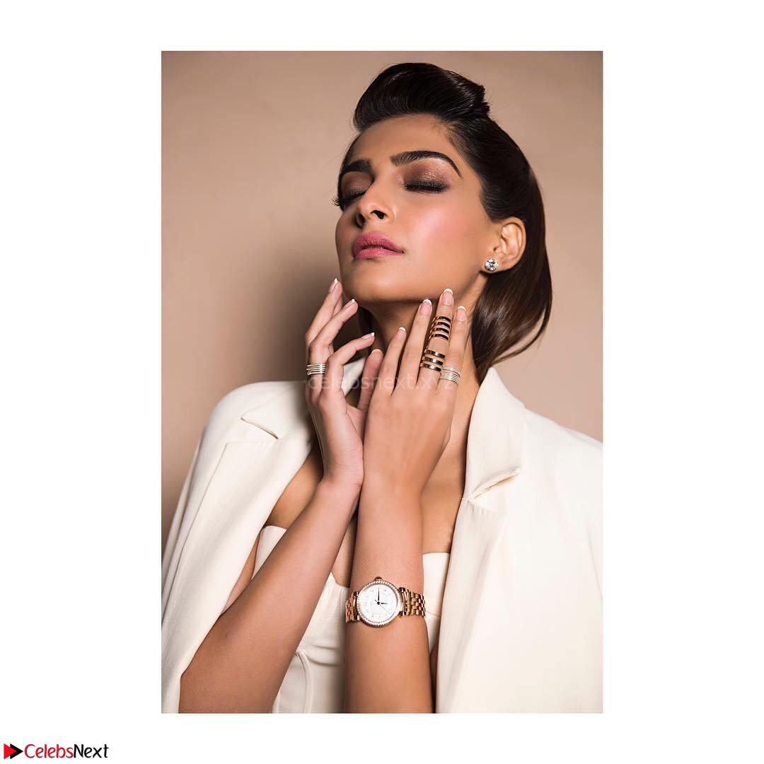 Sonam Kapoor Looks ravishing in a Deep neck Cream Gown ~ CelebsNet  Exclusive Picture Gallery