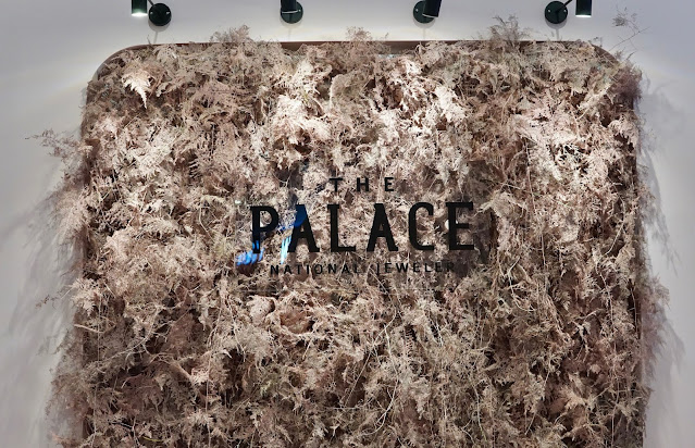 MOELA COLLECTION THE PALACE JEWELER