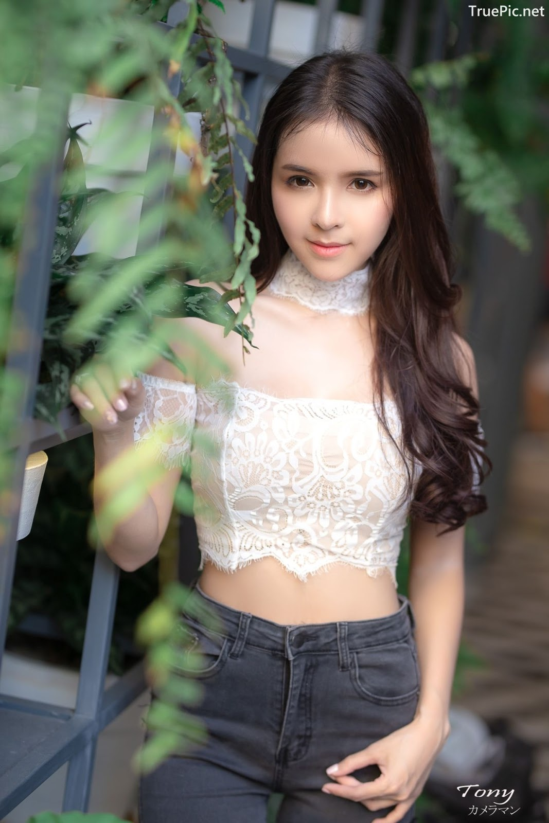 Image-Thailand-Beautiful-Model-Soithip-Palwongpaisal-Transparent-Lace-Crop-Top-And-Jean-TruePic.net- Picture-2