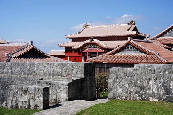 ปราสาทชูริ (Shuri Castle: 首里城) @ www.storm.mg