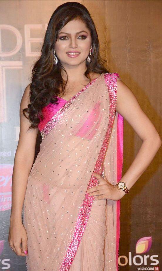 Drashti Dhami hot in transparent saree