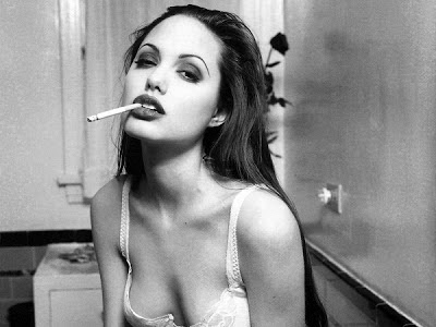Young Angelina Jolie Bold Looks Photo