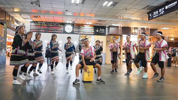 王宏恩領軍民和國中快閃演出 美聲宣傳原音天籟音樂節