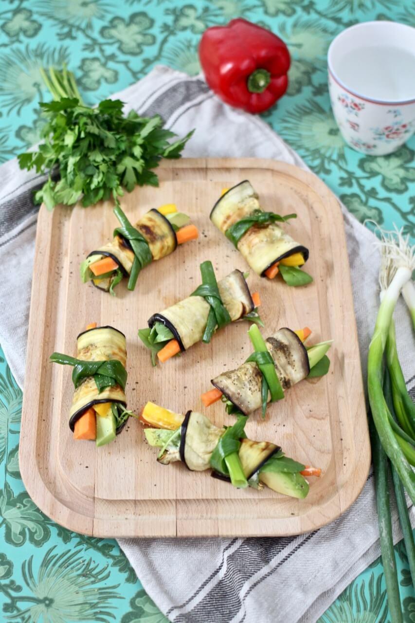 Auberginenrollen mit Gemüse