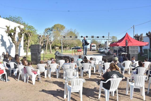 Festejos por el comienzo de la primavera y el día del estudiante en las localidades