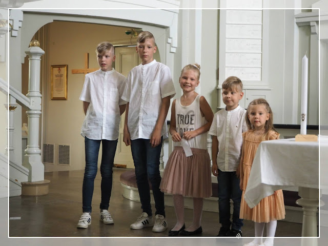 ristiäiset kirkossa