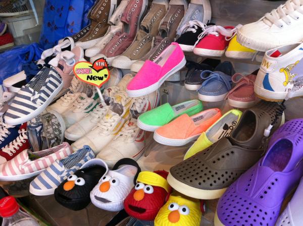 wisata anak toko sepatu anak pasar dongdaemun seoul korea selatan