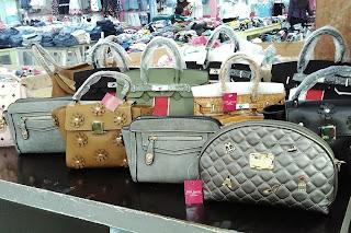 beragam pilihan clutch dan tas untuk wanita