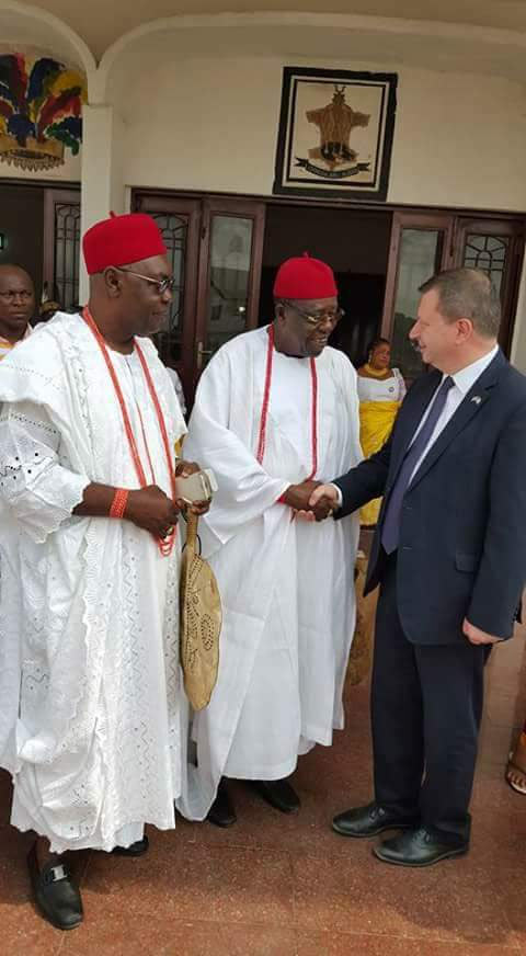 Obi of Onitsha, Igwe Achewe welcomes British High Commission to Nigeria