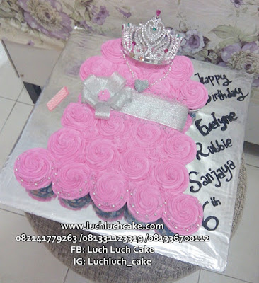 Cupcake Bentuk Dress Untuk Ulang Tahun Putri