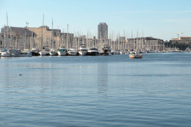 Christmas in Provence: View of the harbor in Marseille
