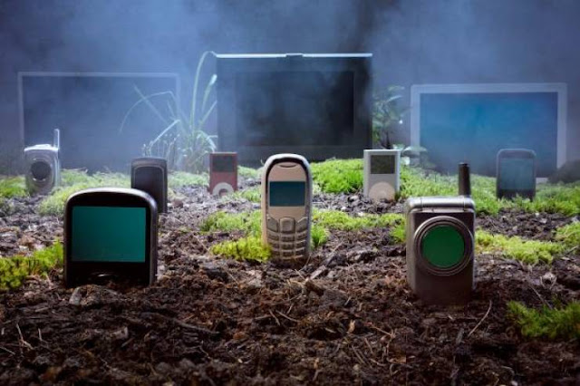 لن ترمي هاتفك القديم بعد اليوم!  شاهد ماذا يمكن أن تفعل بهاتفك القديم بدلاً من التخلص منه...