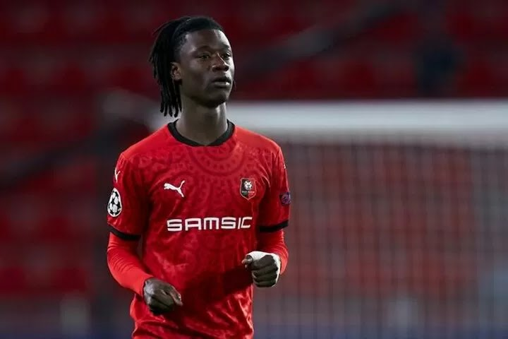 Man Utd sent new Camavinga transfer message as Rennes make announcement