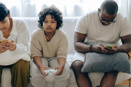 Cara Mengatasi Anak Kecanduan Gadget dan Dampak Buruknya