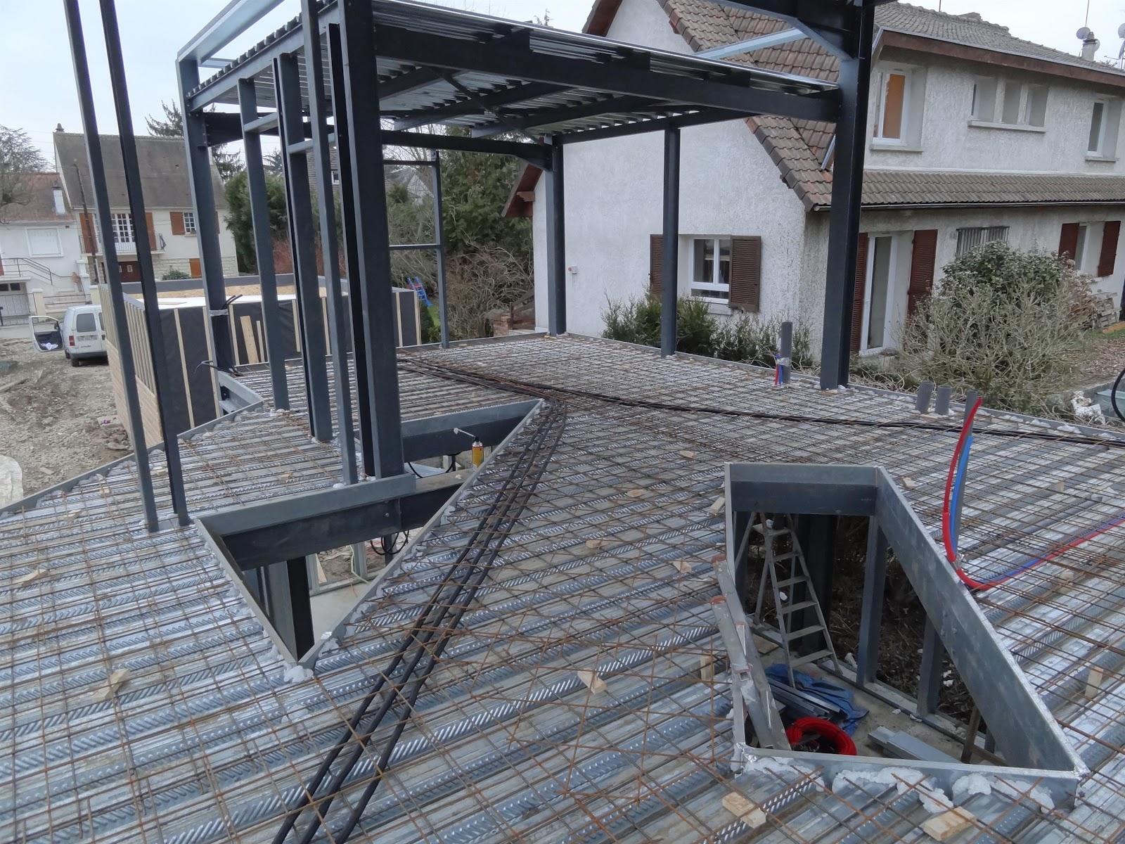 construction maison ossature m tallique la dalle du premier etage. Black Bedroom Furniture Sets. Home Design Ideas