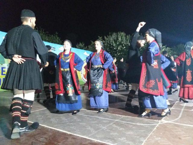 Θεσπρωτία: Το Γραικοχώρι εόρτασε την Αγία Τριάδα με λιτανεία και παραδοσιακούς χορούς
