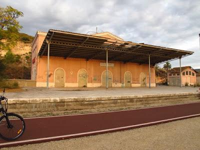 Antiga estació de Manuel