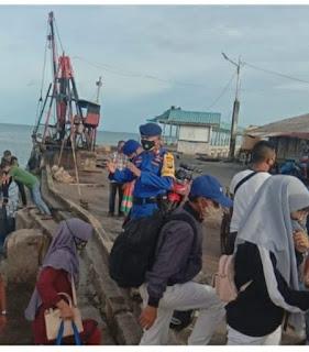 Gelombang tinggi cuaca ekstrim,Satpolairud Polres Lingga Gelar Himbauan Keselamatan kepada Masyarakat Pesisir khususnya para Nelayan