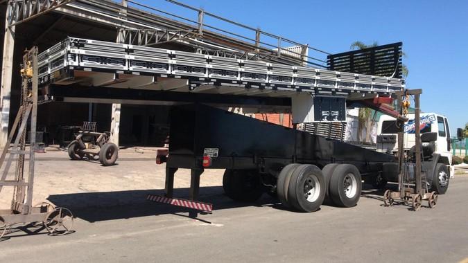 Chassi elevado: PRF explica irregularidades e o que pode acontecer com caminhão em uma fiscalização
