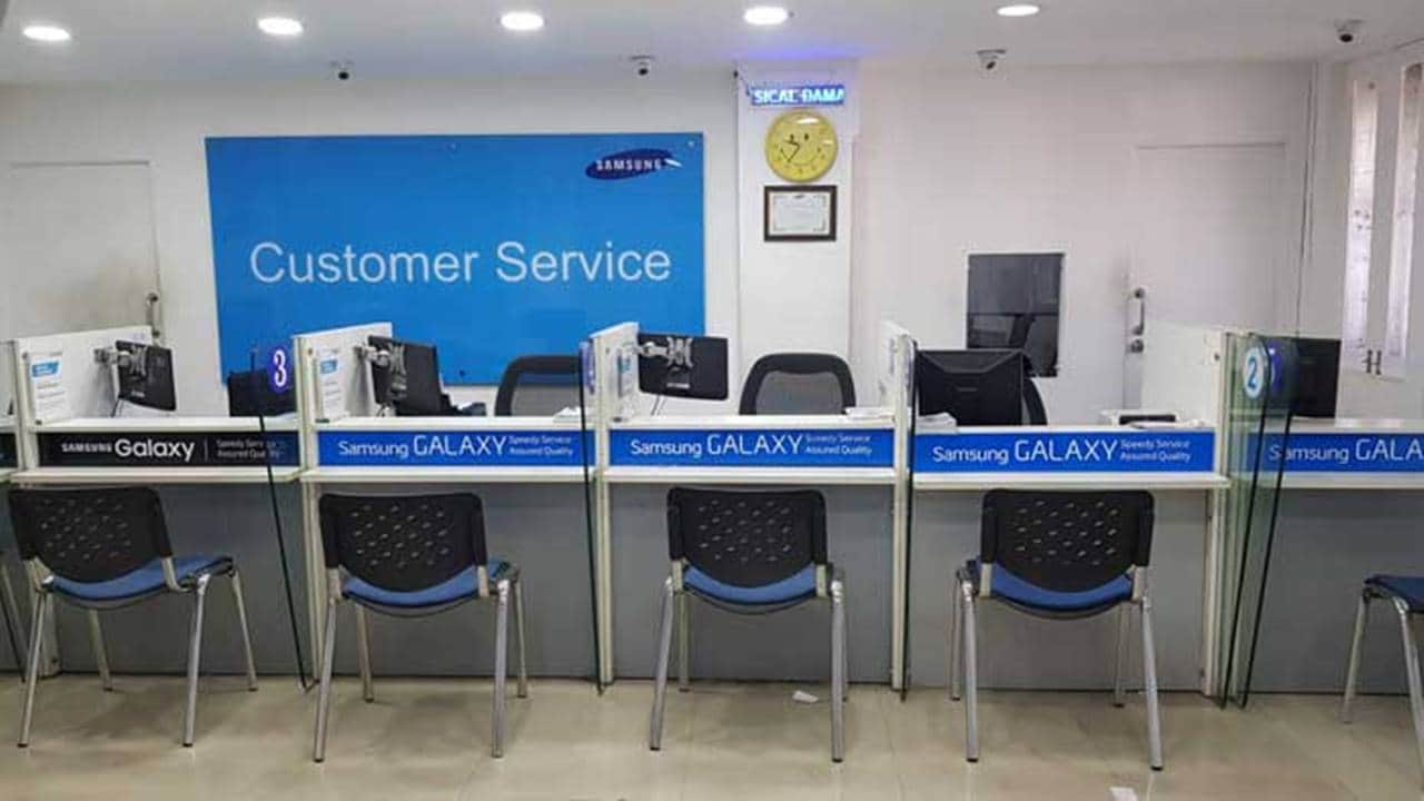 Bawa HP ke Tukang Servis / Service Center