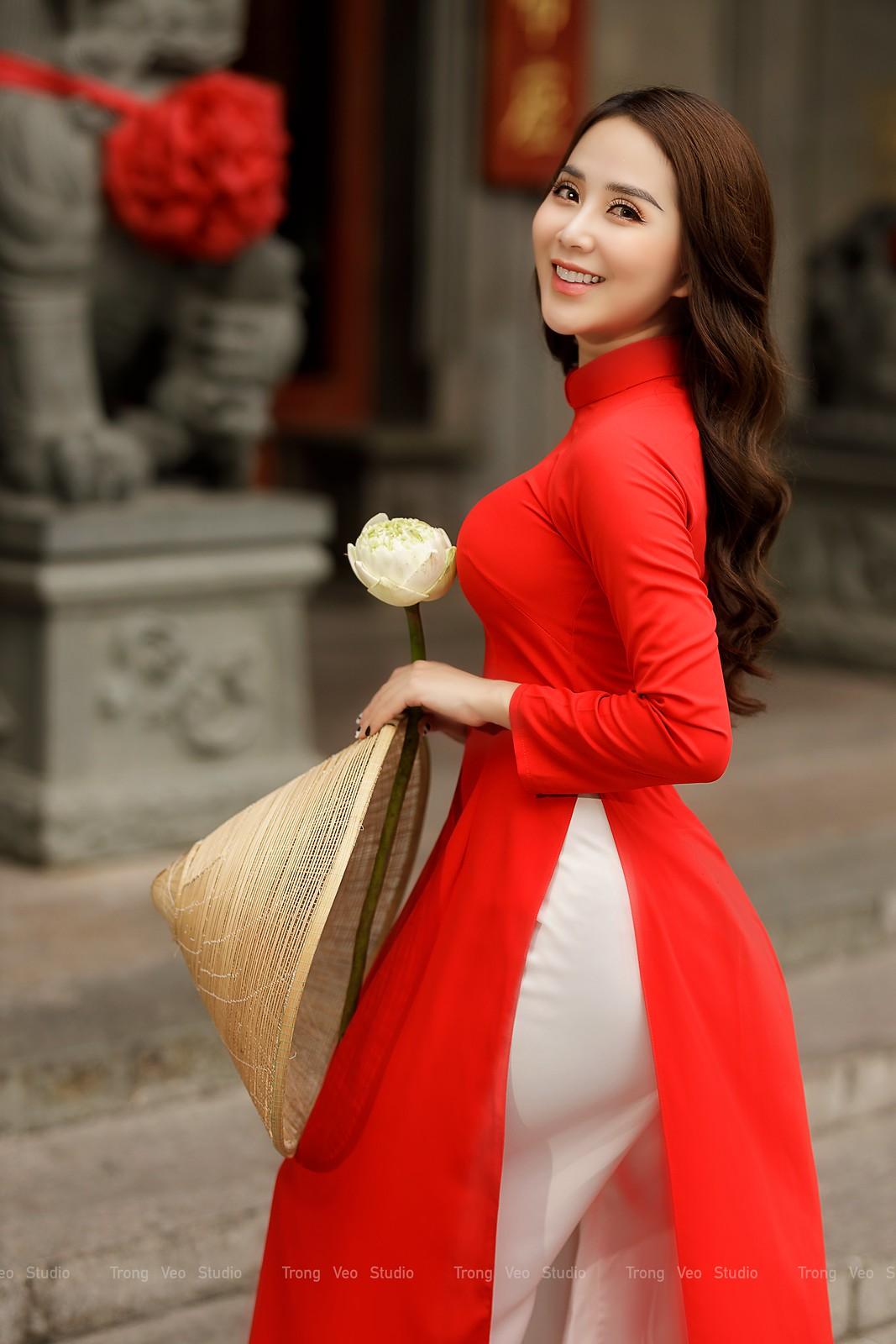 Ngắm hot girl Lục Anh xinh đẹp như hoa không sao tả xiết trong tà áo dài truyền thống - 21