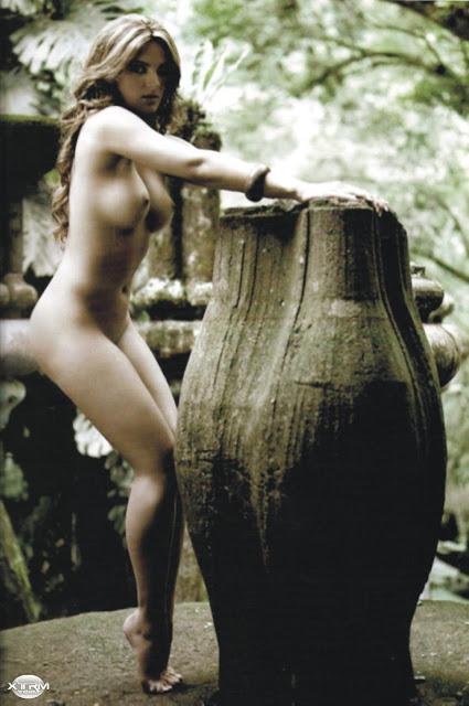 Mariana Seoane desnuda H Extremo Octubre 2007 [FOTOS]-6