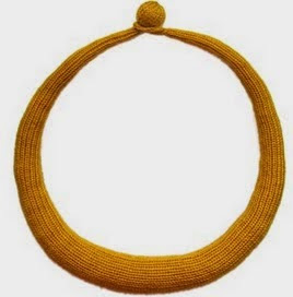http://translate.googleusercontent.com/translate_c?depth=1&hl=es&prev=search&rurl=translate.google.es&sl=en&u=http://www.oddknit.com/patterns/jewellery/simpletorc.html&usg=ALkJrhj0cPjc4UMigCPmE0HE46NVfaPf4w