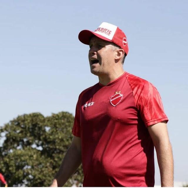 Uma troca no comando técnico é suficiente para o Vila Nova?
