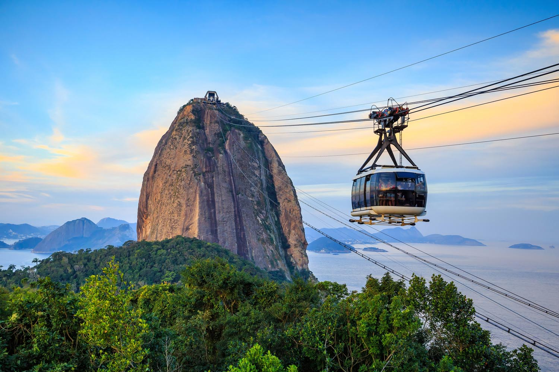 Канатная дорога к горе Пан-ди-Асукар в Рио де Жанейро