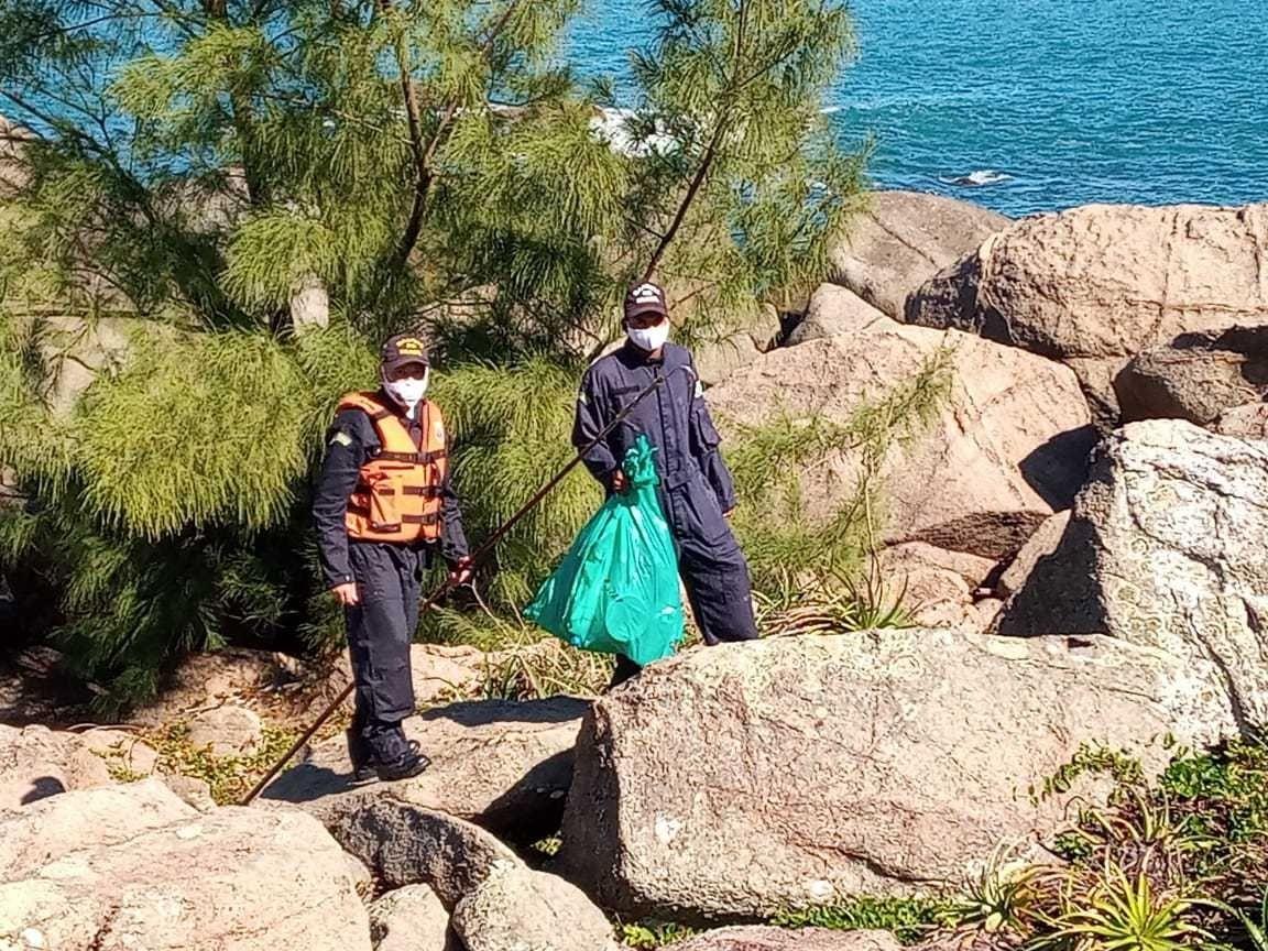 """Reserva Biológica Marinha do Arvoredo, SC, recebe o projeto """"Limpeza dos Mares"""""""