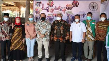 Ketua DPD Hadiri Launching Program Desa Emas dan Bertemu Kyai Kampung se-Lampung