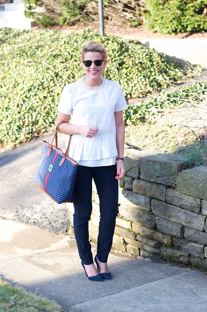 navy and white wear to work outfit ideas