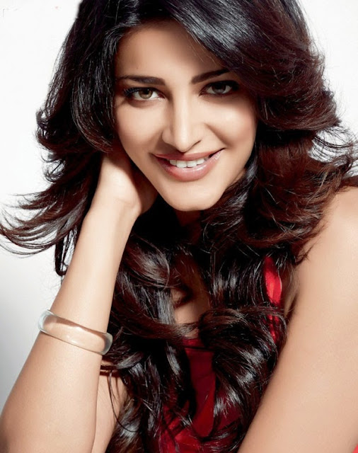 Shruti Hassan Face