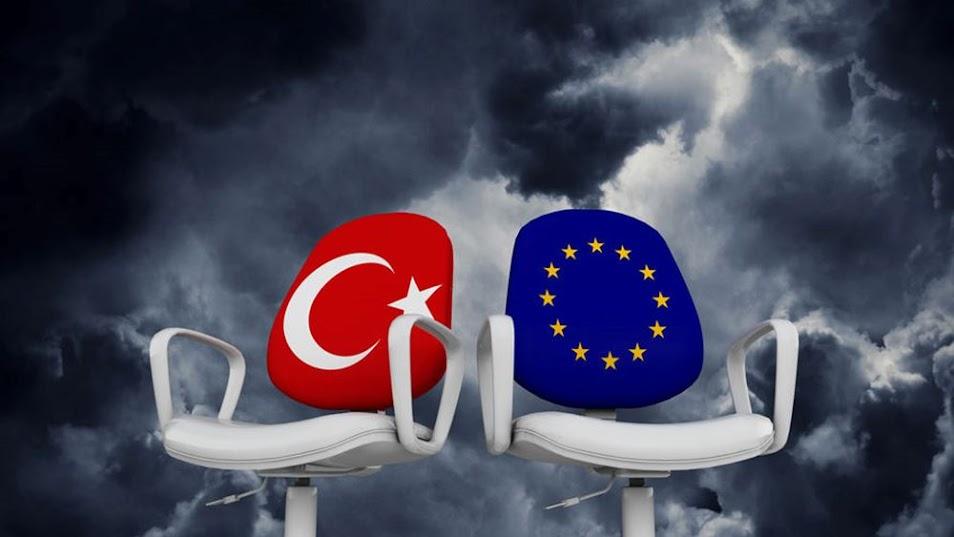 ΗΠΑ και ΕΕ να επανεξετάσουν την πολιτική τους έναντι της Τουρκίας