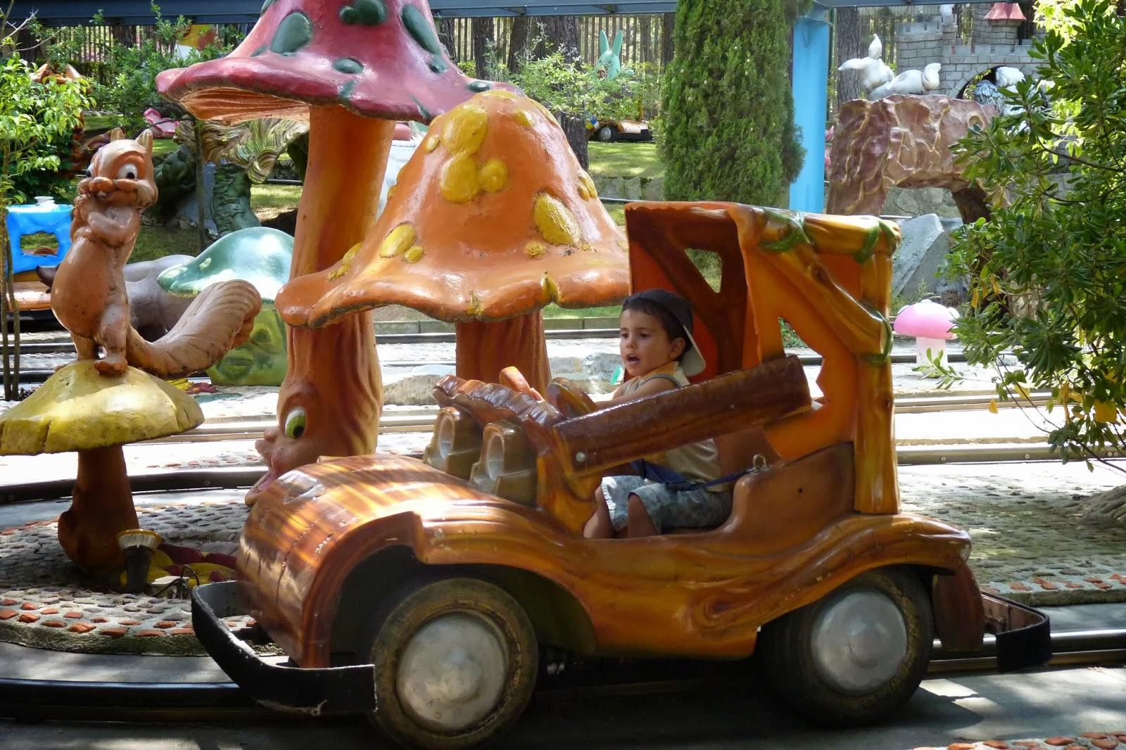 Autos Baby. Parque de Atracciones de Madrid.