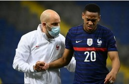 Deschamps eases Man Utd fears over Martial's knee injury on France duty
