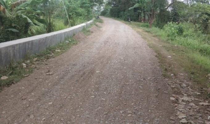Dikonfirmasi Pekerjaan Rekontruksi Jalan Desa Undar-Andir, Mandor : Ngapain Tanya Anggaran