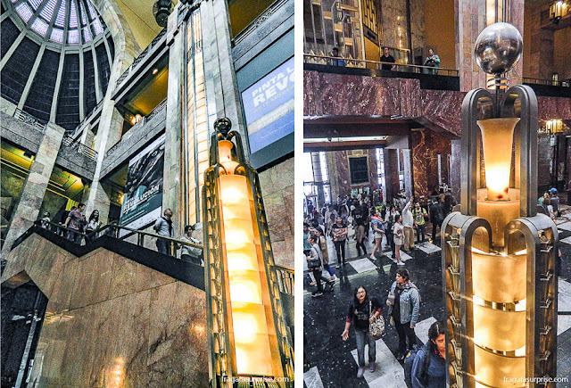 Detalhes da arquitetura e decoração art déco do Palácio Nacional de Belas Artes