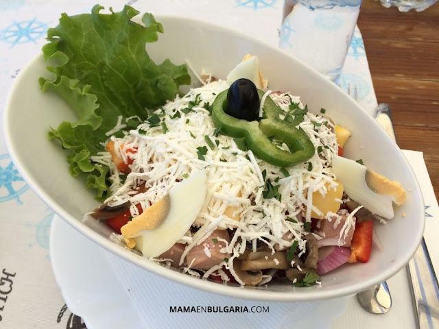 Ovcharska salata, ensalada del pastor, Bulgaria