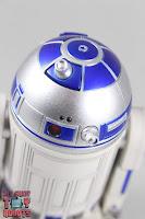 S.H. Figuarts R2-D2 10