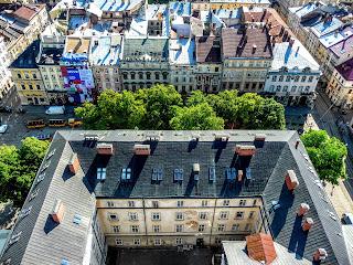 Львов. Ратуша. Вид на Ратушу и площадь Рынок с часовой башни